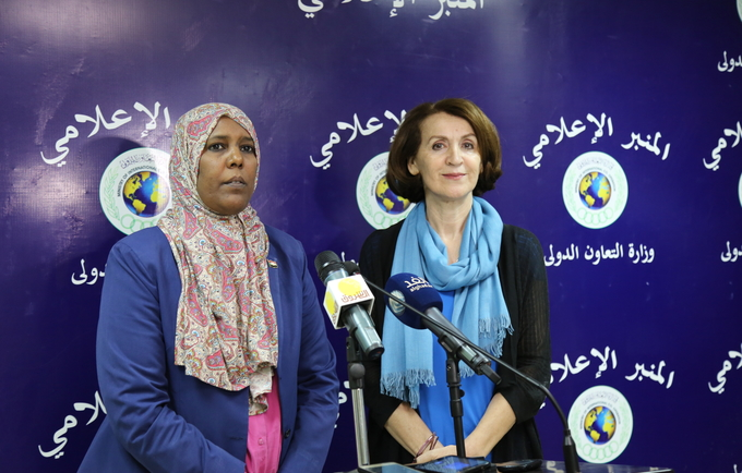 Dr. Sumaya Okod, the state Minister at the Ministry of International Cooperation and Ms. Lina Mousa, the Representative of UNFPA in Sudan , addressing the Press Conference. Photo © UNFPA Sudan